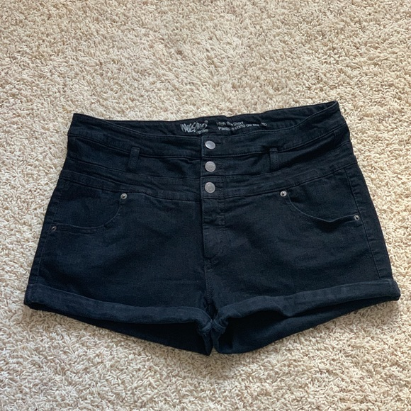 Mossimo Supply Co. Pants - Black high-waisted shorts (1X/18/34)